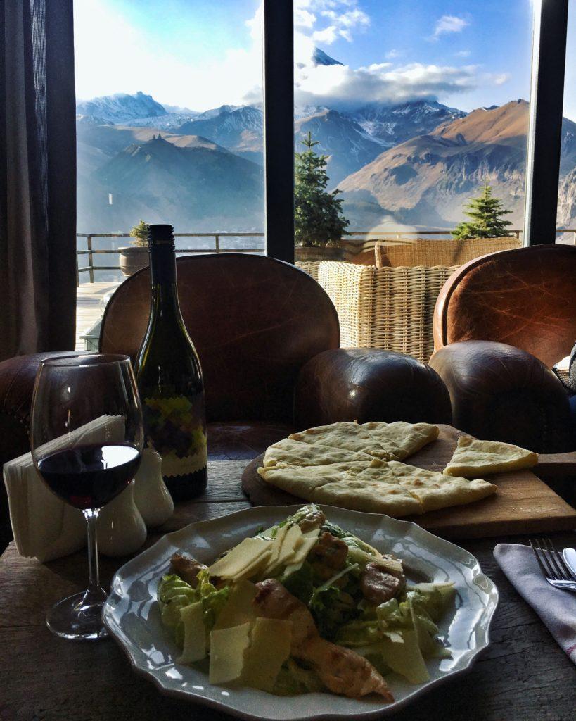 Вид из гостиницы в Тбилиси